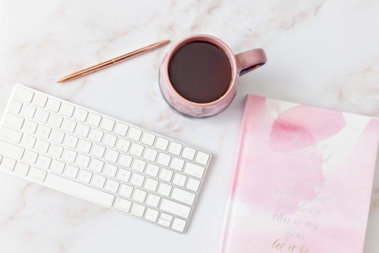 tools for new bloggers - keyboard_coffee_and_notebook